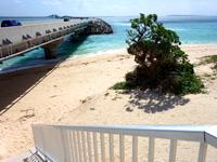 伊良部島の長山浜/長山の浜 - 伊良部大橋からビーチへ下りる南側の階段
