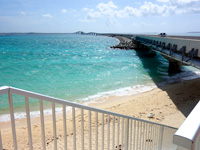 伊良部島の長山浜/長山の浜 - 伊良部大橋北側の階段