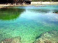 西表島の星砂の浜 - 海の中は起伏があって面白い