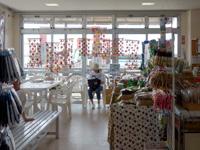 西表島のレストランじゅごん - カフェはなくなりイートインスペース的に