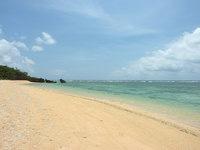 西表島のみみきりの浜/宇那利崎のビーチ - 砂浜は広々しています