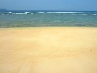 西表島のうなり崎のビーチ - 砂浜がめっちゃキレイです