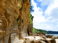 西表島の船浮岬/ビーチ/洞窟/地層 - 地層がいい感じ