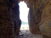 西表島の船浮岬/ビーチ/洞窟/地層の写真