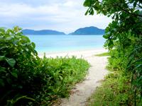 西表島の船浮 イダの浜 - 比較的穏やかな海です