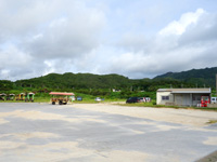 西表島の由布島入口/水牛車休憩所 - 駐車場側は特に利用しないかも?