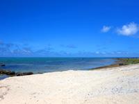 石垣島の白保海岸/白保ビーチ - 基本的に浅瀬で沖が深い構成