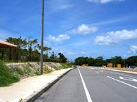 石垣島の川平公園駐車場/売店/グラスボート受付 - 道路も広々整備されました
