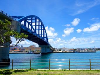 石垣島のサザンゲートブリッジ