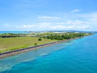 石垣島のサザンゲートブリッジ - 南ぬ浜町ビーチ側を望む