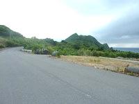 石垣島の崎枝ビーチへの道の写真