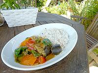 石垣島の中村屋 - カレーもかなり美味しい