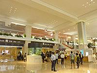 石垣島の新石垣空港国内線ターミナル - 到着ロビーを出た先