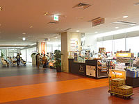 石垣島の新石垣空港国内線ターミナル - 出発ロビー内のお土産屋