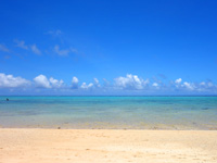 石垣島の明石海岸 - 石垣島でも随一の広々した海