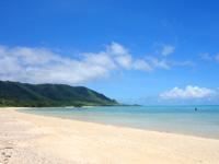 石垣島の明石海岸 - 端から端まで歩いたらエラいことになるかも!?