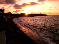 石垣島の八島小学校 護岸 - 実を言うと朝日の名所かも?