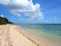 石垣島の大崎ビーチ/屋良部崎南ビーチ - 砂浜はかなり広いです