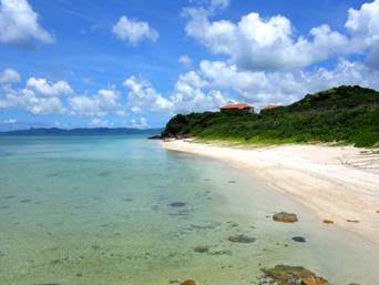 川平石崎のビーチ
