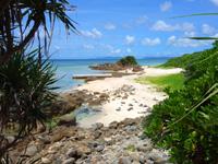石垣島の川平石崎のビーチの写真