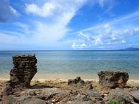 石垣島の山原海岸/ヤマバレビーチ - 特徴的な岩が帰り道の目印