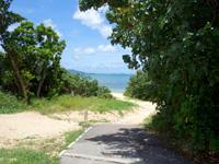 石垣島の伊土名海岸 - ビーチは2つに分かれている