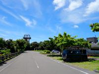 石垣島のパンナ岳公園東/バンナ岳公園東 - 奥にあるのがダムを一望できる展望台