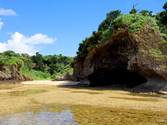 石垣島の桴海海岸/ヤドカリビーチ