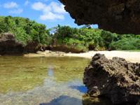 石垣島の桴海海岸/ヤドカリビーチ - 洞窟から2個目のビーチ