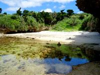 石垣島の桴海海岸/ヤドカリビーチ - 洞窟から3個目のビーチ