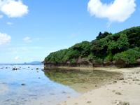 石垣島の桴海海岸/ヤドカリビーチ - 米原ビーチの端っこ!ここから青の洞窟へ