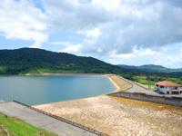 石垣島の名蔵ダム/展望台/遊歩道/於茂登御主神 - かなり綺麗なダムの印象