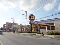 石垣島のドン・キホーテの石垣島店 - ドンキホーテ前というバス停も新設