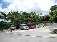 石垣島の米原ビーチ有料駐車場 - こちらも県道側なので有料