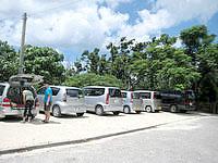 石垣島の米原ビーチ有料駐車場 - 何故か海側だけは無料らしい