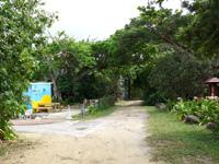 石垣島の米原キャンプ場無料駐車スペース - ここには停めないで公民館側へ行こう