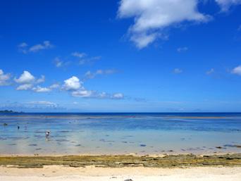 石垣島の米原ビーチ キャンプ場側