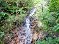 於茂登岳の滝