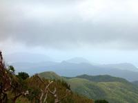 石垣島の於茂登岳からの景色2 - マーペーなどまで望めますが・・・