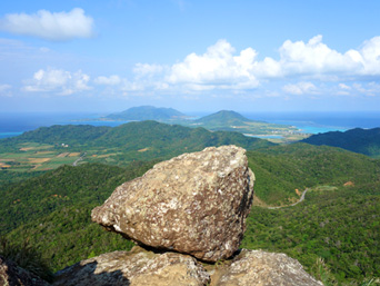 石垣島の野底マーペーからの景色