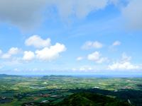石垣島の渡り鳥観察所/展望台 - 新石垣空港まで望めます