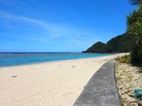 加計呂麻島の徳浜海岸 - 海も砂浜もどっちもキレイ