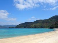 加計呂麻島の実久海岸/実久集落 - もはや沖縄以上の海の綺麗さ
