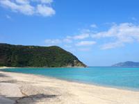 加計呂麻島の実久海岸/実久集落 - シュノーケリングも楽しめます