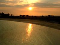 スギラビーチからの朝日と夕日