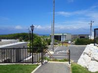 北大東島の西港の土俵/公衆トイレ - 港湾事務所のすぐ近くです
