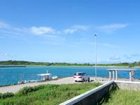 小浜島の小浜港 - トゥマールビーチ側