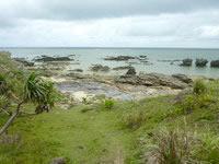 嘉弥真島の北海岸/ノッチ岩 - 島の北側は岩場がほとんど