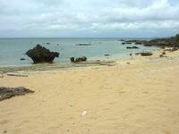 嘉弥真島の西海岸/シェルビーチ - 貝がどれだけ拾えるかは不明