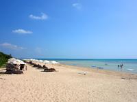 小浜島のはいむるビーチ/はいむるぶしビーチ - 海はかなり遠浅です